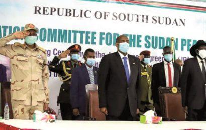 Le gouvernement soudanais et différents chefs rebelles signent un accord de paix historique