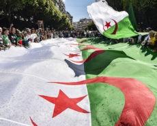 «100 milliards d'euros» : un universitaire algérien estime les réparations dues par la France