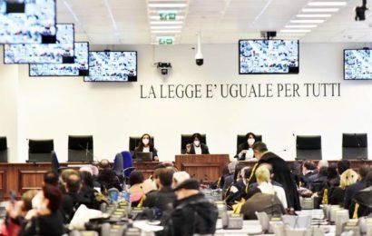 Le plus grand procès contre la mafia s'est ouvert en Italie