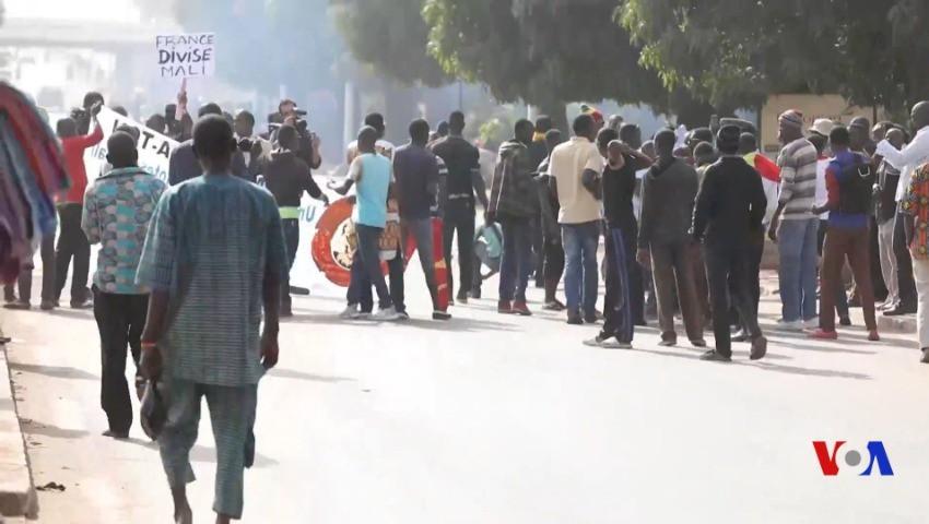 Alors que la polémique enfle au Mali : Selon un sondage, 51% des Français désapprouvent Barkhane