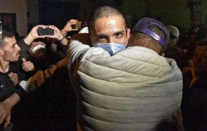 Algérie : Khaled Drareni, Rachid Nekkaz et des dizaines de détenus du Hirak libérés