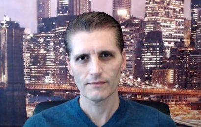 Gregory Mannarino : « Le virus est un leurre… Les banques centrales veulent tout posséder ! La classe moyenne est laminée. Nous vivons dans l'illusion, réveillez-vous ! »