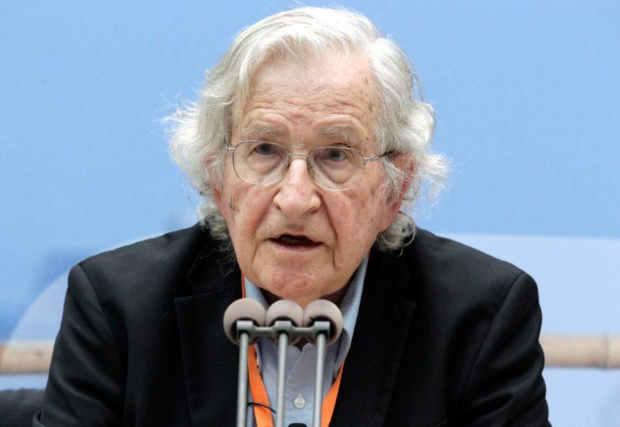 Chomsky : « Sans le soutien des États-Unis, Israël ne pourrait pas tuer les Palestiniens en masse »
