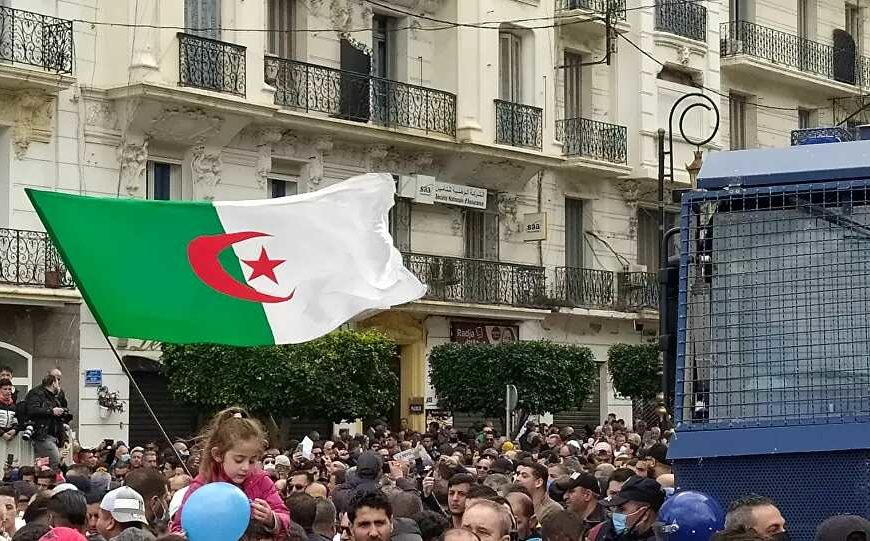 Algérie : «L'esprit du Hirak doit rester vivant pour que nos futurs décideurs n'oublient pas que le peuple les surveille»