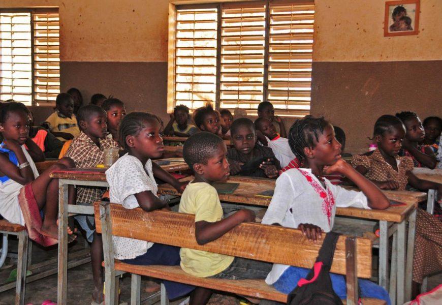 Les langues maternelles au chevet de l'Éducation : les conseils de la Banque mondiale !