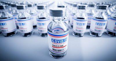 Le «vaccin tueur» au niveau mondial : 7,9 milliards de personnes